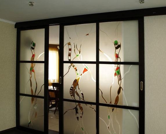 двери разделяющие комнату на зоны фото